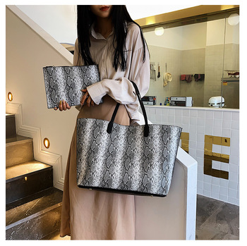 2020 High Quality 2 pcs a Set Bag Handbags Women Large Capacity Working Bags Ladies Fashion Snake Tote Bags Wholesale