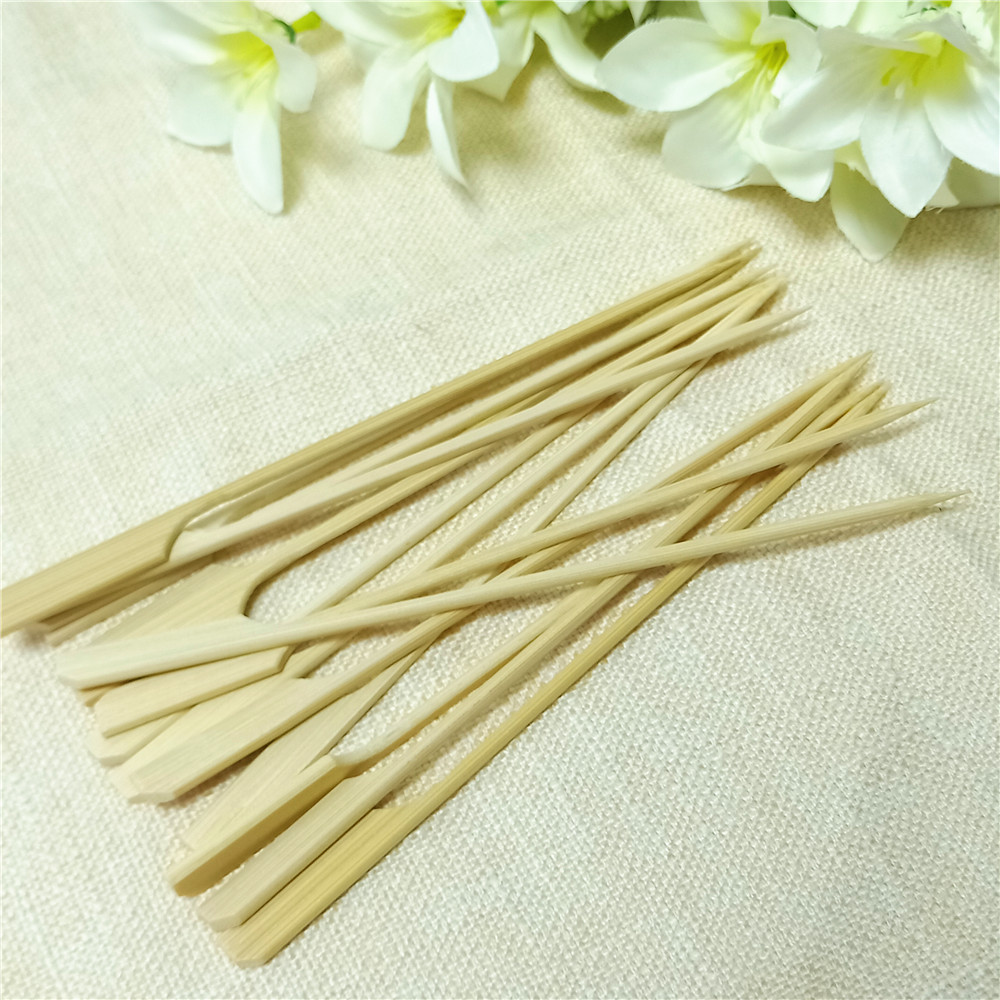 Good Price round wooden <strong>sticks</strong> red <strong>decorative</strong> <strong>bamboo</strong> knotted skewers recycle bbq skewer