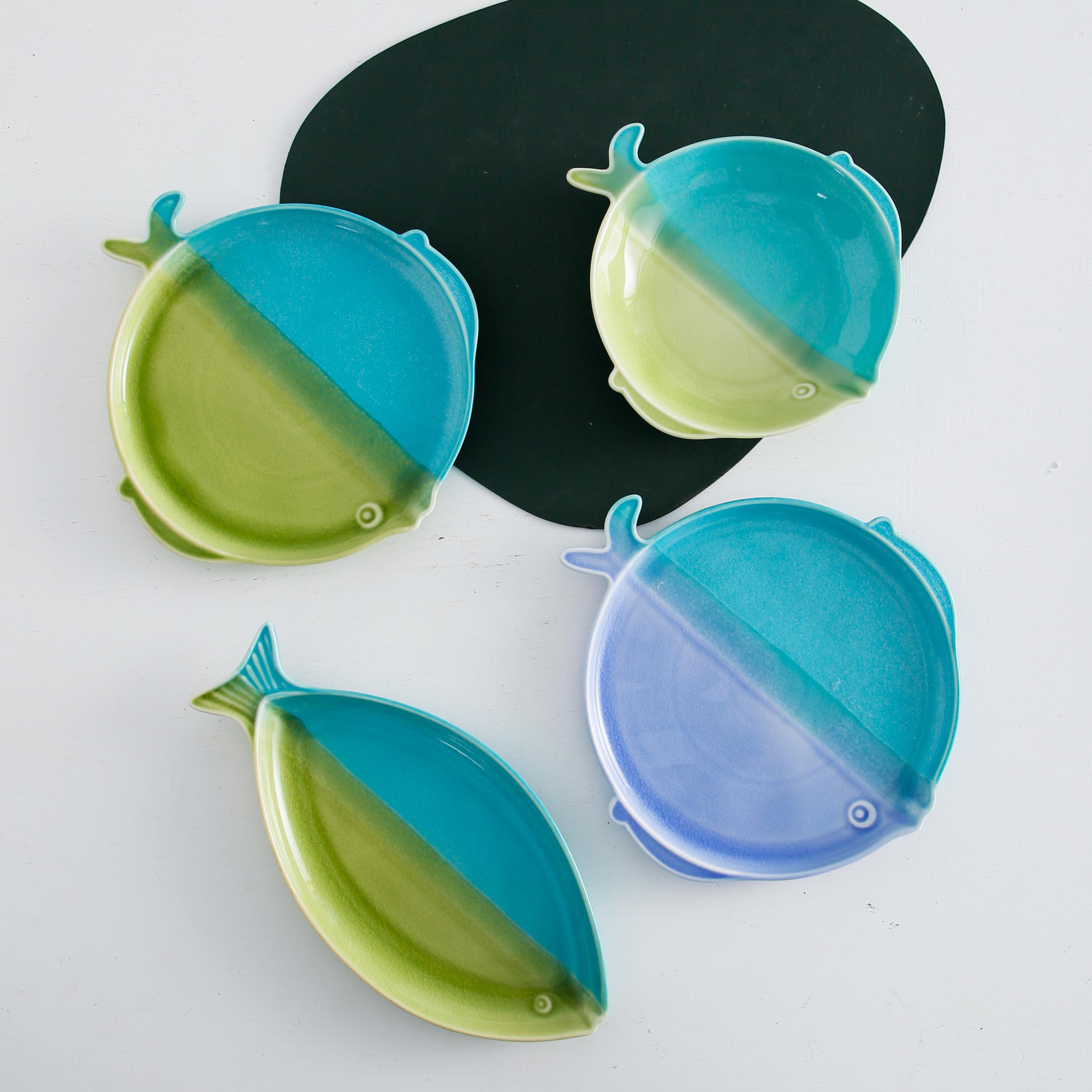 Fancy design China suppliers decorative colors reactive glaze fish shape ceramic plates serving plate porcelain