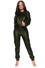 Весенний женский комплект из двух предметов размера плюс 2020, укороченный топ с капюшоном из искусственной кожи + длинные штаны, Клубная одеж...(Китай)