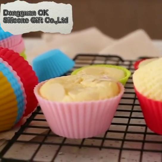 Oksilicon 24 التعبئة قابلة لإعادة الاستخدام الكعك كب كيك علبة الشاي بطانات صغيرة قالب من السيليكون كب كيك للخبز