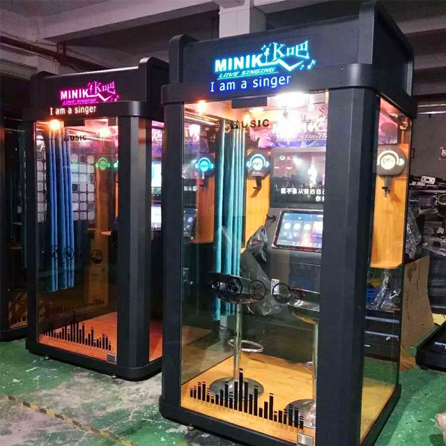 Kedap Suara Mini KTV Booth Mesin Karaoke Bergerak Di Gang Beratap Mall Street Park Plaza Stasiun untuk Bernyanyi Kecil Investasi