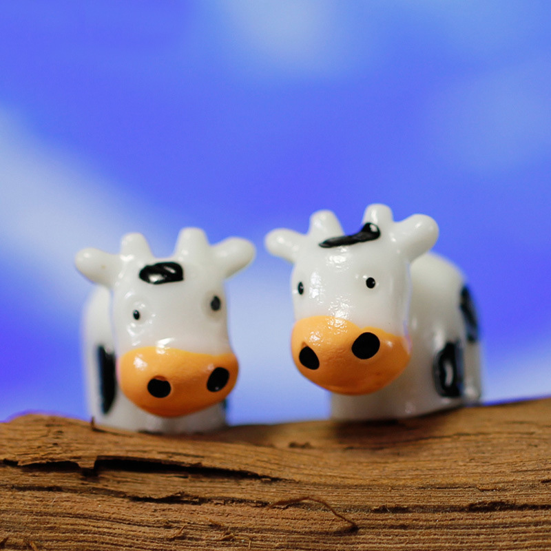 Fairy Garden Cow Figure Minifigures Animal Figures DIY Resin Decorations For Home