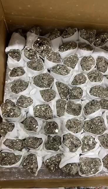 Pyrite Tự Nhiên Nghiền Nát Mẫu Đá Chúc Chai Thu Thập Phong Thủy Đá Thô Khử Từ