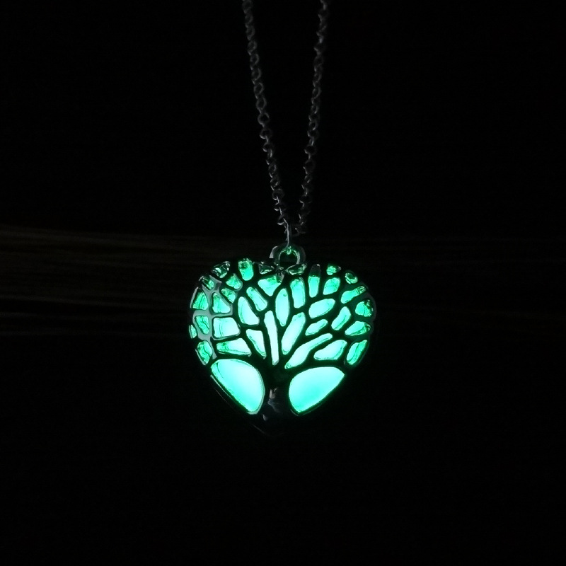 Fashion Women Jewelry Silver Plating Adjustable Long Chain Hollow Out Glow In The Dark Luminous Heart Pendant Necklace