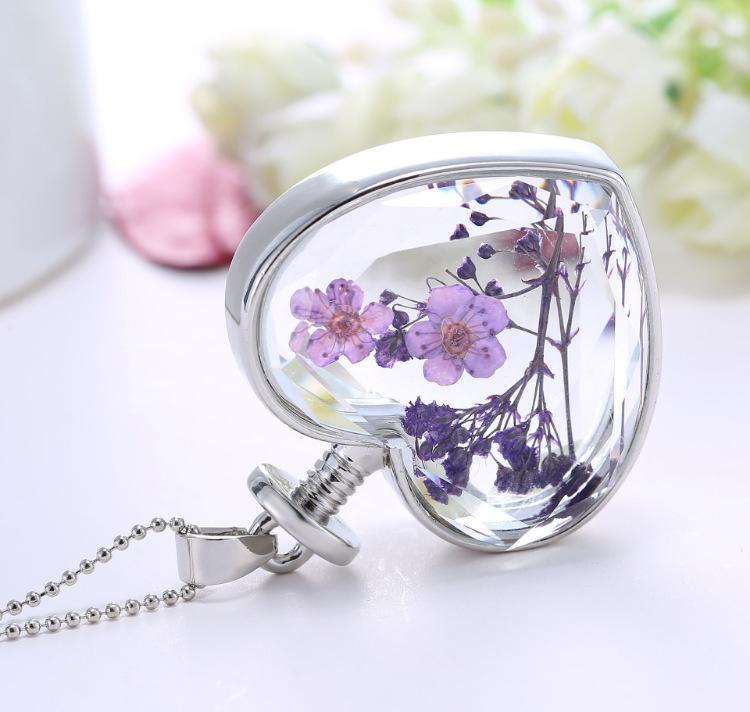 2020 Korean heart-shaped plant specimens dried flower necklace pendant Glass Heart Shape Dried Flower Pendant for Gifts