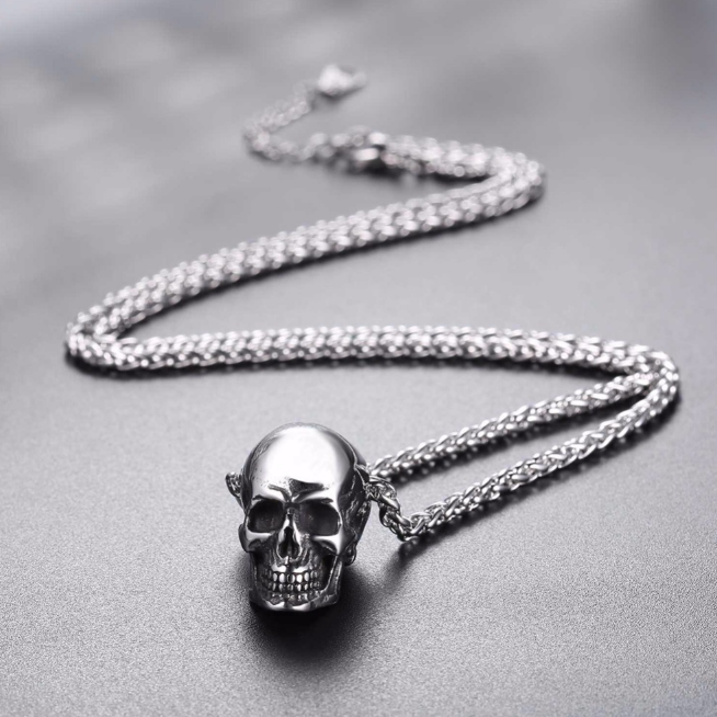 Skull necklace5.png