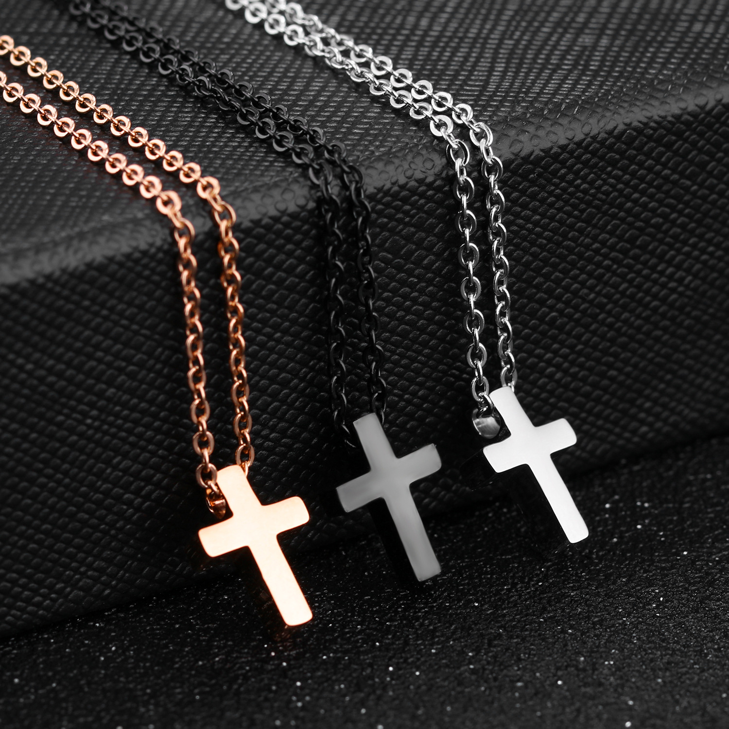 Hot Saling Fashion Jewelry Simple Design Stainless Steel Mini Cross Pendant Chain Necklace For Women