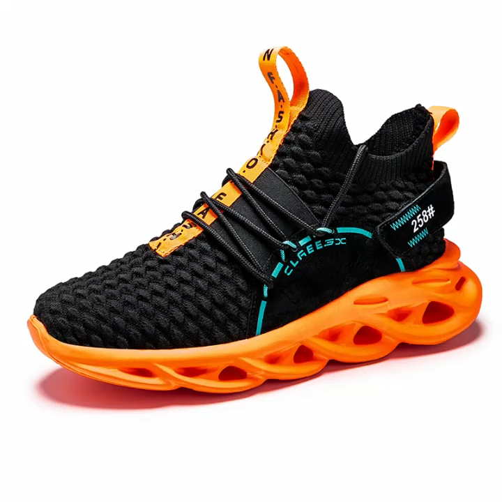 New spring Men's Fashion Sneakers Light socks Casual Shoes Breathable Running Sports shoes Walking Mens soft sole shoes