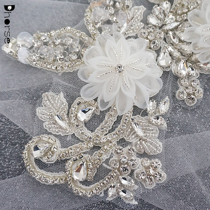 Luxury handmade white silver 3d flower sew on crystal embellished appliques in pairs