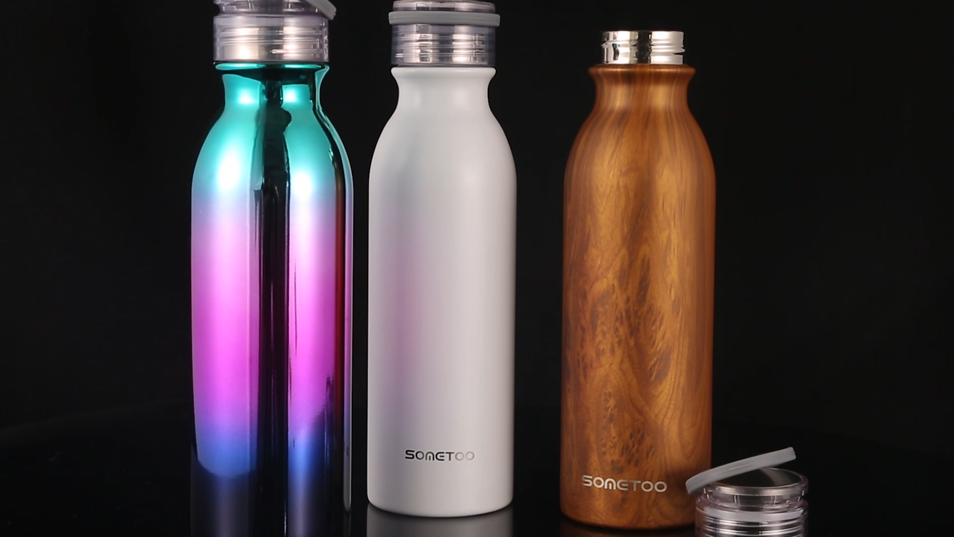 20oz مانعة للتسرب زجاجة ماء مزدوجة الجدار فراغ زجاجة معزولة مع مقبض سيليكون إبقاء الماء الساخن أو البارد