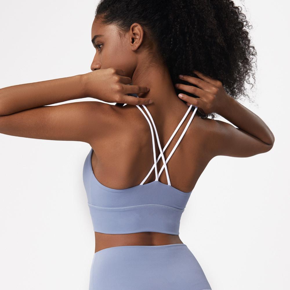 महिलाओं के एथलेटिक पहनने उच्च प्रभाव Strappy योग ब्रा शीर्ष सेक्सी गद्देदार पार वापस देवियों खेल ब्रा स्टॉक में