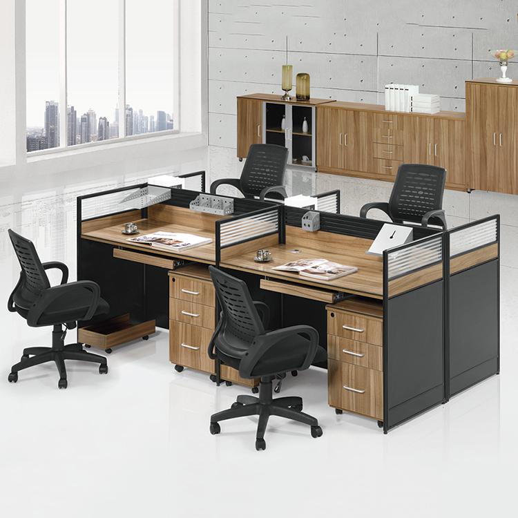 สำนักงานที่ทันสมัยกุฏิพนักงานเวิร์กสเตชันโต๊ะสำนักงานตารางเปิดสำนักงานสถานีทำงาน