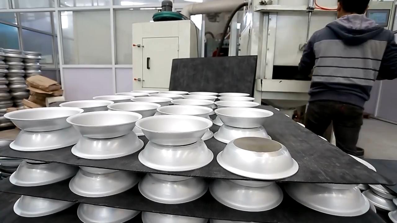 अमेज़न गर्म बिक्री गैर छड़ी तलना पैन खाना पकाने पैन थोक एल्यूमीनियम अंडा फ्राइंग पैन cookware