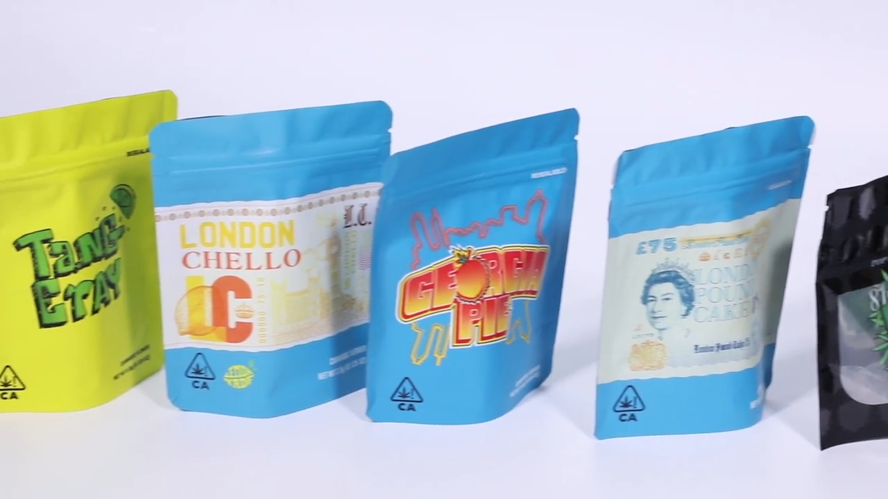Chinese outlet custom wholesales RTS printed child resistance packaging weeds candy mylar bags