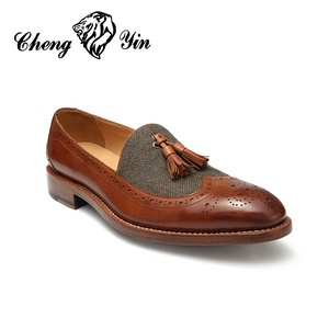 Hot Sale Classic Products Hand Made italian Genuine Leather Oxford Mens Dress Loafer Shoes it with tassel shoe manufacturer