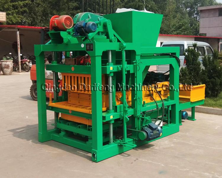 China Machinery QTJ 4-25 automated/fully auto cement hollow blocks bricks making machinery with pan mixer in Sri Lanka