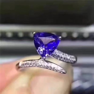 Custom s925 silver inlaid natural tanzanite light blue noble and elegant jewelry ladies rings