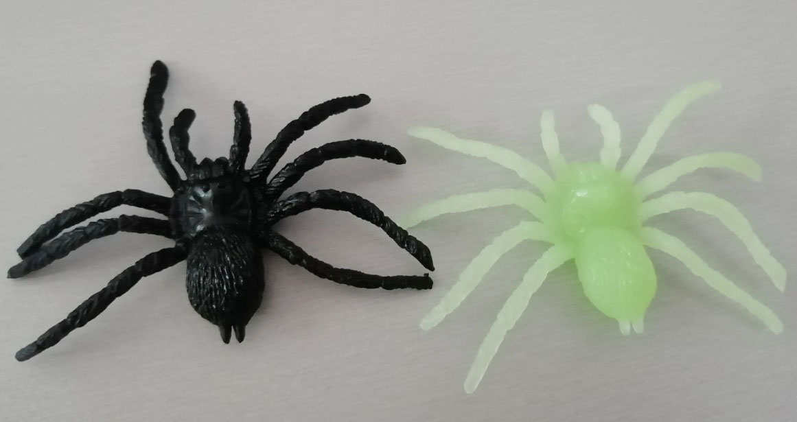 Wholesale Halloween Decorate Toys Soft Plastic Spider Glow In The Dark Stretch TPR Mini Toy Spider