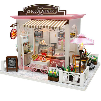 New Mini Family wooden toy DIY dollhouse with colorful dolls & furnitures kids pretend play large doll house