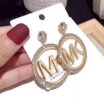 2020 fashion gold plated queen alphabet luxury hoop initial letter earrings