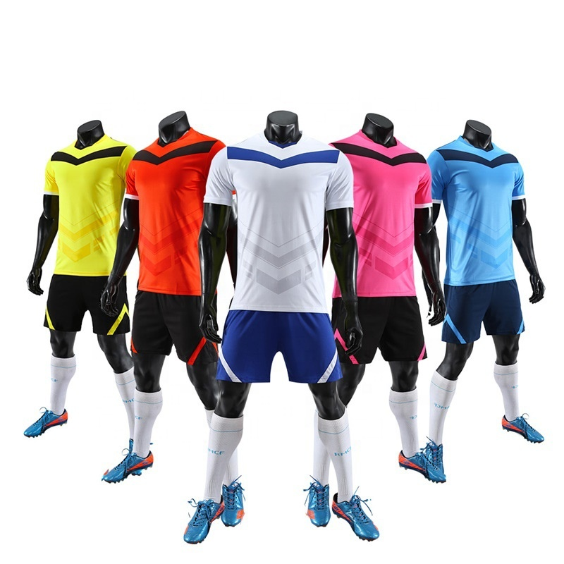 Großhandel Neueste Designs Qualität Günstige Fußball Fußball Hemd Team Wear Uniform