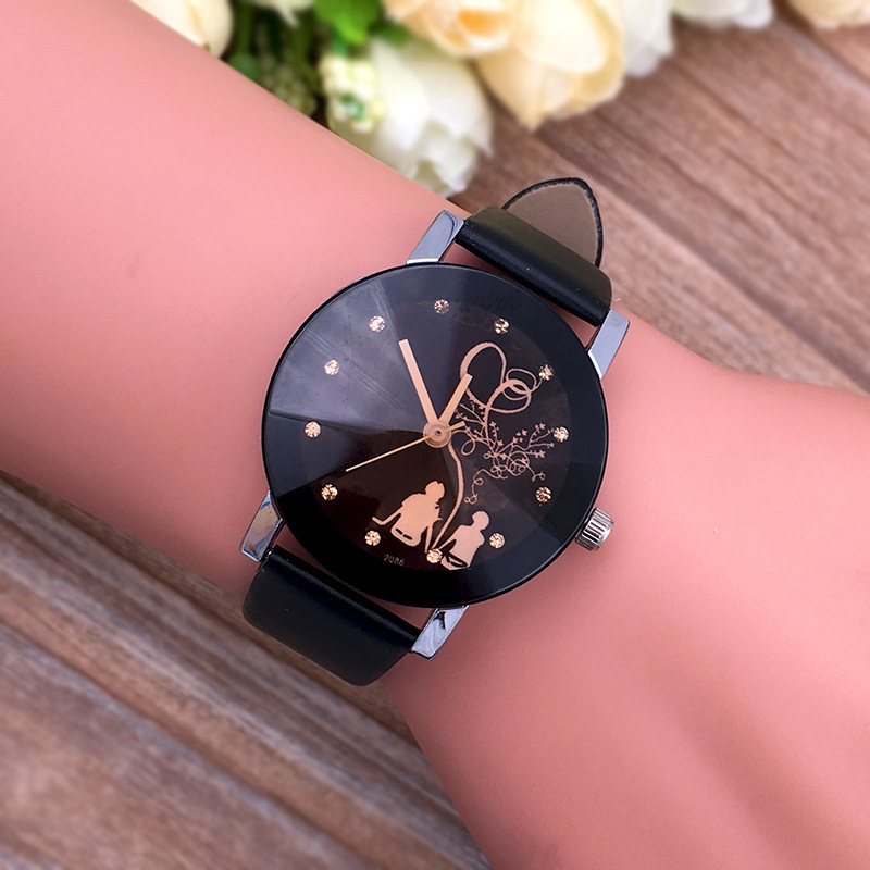 Wholesaler cheap cute pair watches for couples popular casual quartz couple watches are big and sma romantic couple watches