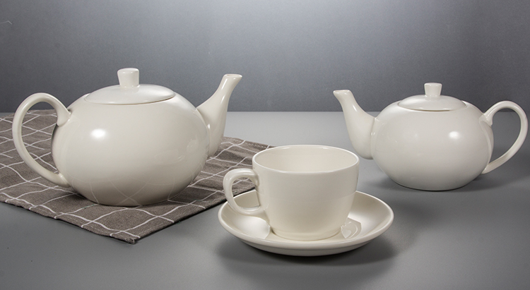 P&T Royal Ware White Porcelain 800ml Coffee Teapot for Restaurants