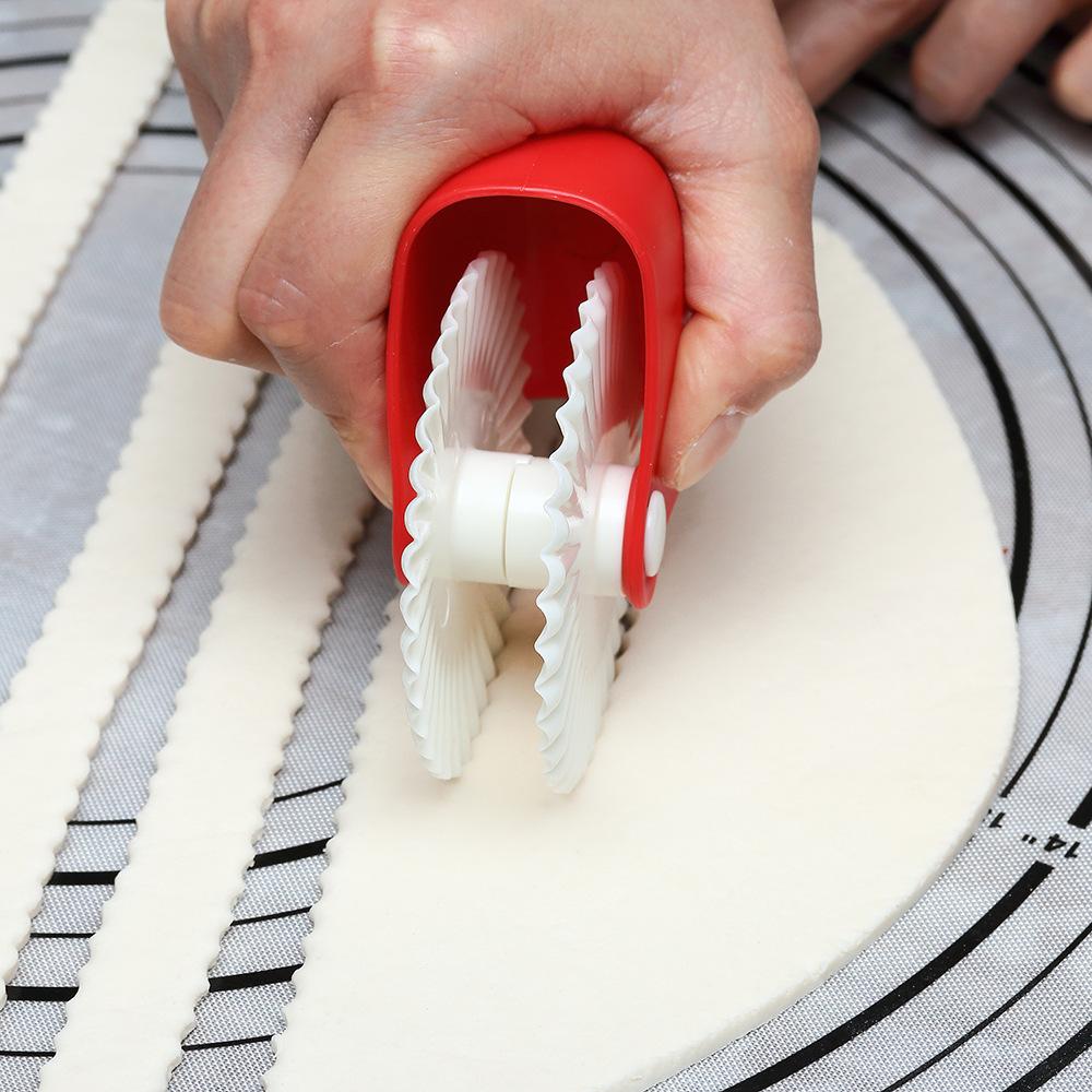 2019 New Kitchen Helper DIY Dough Cutting Roller Tools Biscuits Maker Lattice Roller Dough Cutter Tool