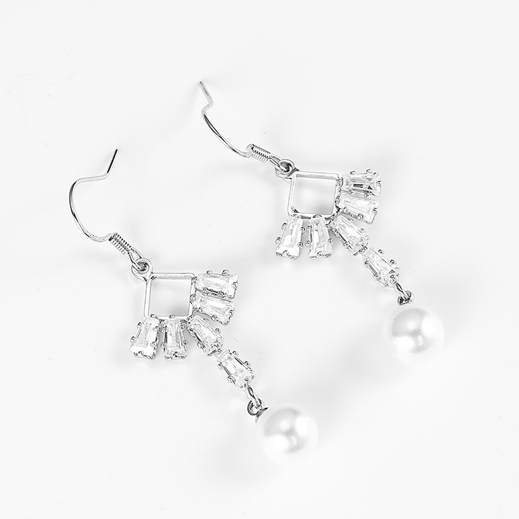 SAF wholesale 925 silver needle alloy pearl rhinestone Korean  simple elegant fashion bling geometric women earring jewelry