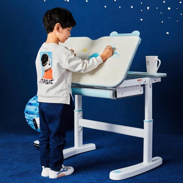 IGROW adjustable children study desk ergonomic student desk and chair set