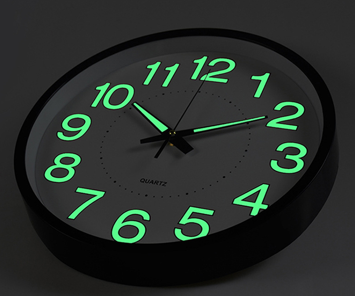 Horloge murale fluorescente veilleuse, horloge murale néon sombre