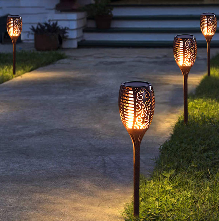 2020 New 2 4 Pack Outdoor Garden Decoration Waterproof 10 12 33 51 72 96 LED Solar Torch Light with Flickering Dancing Flame