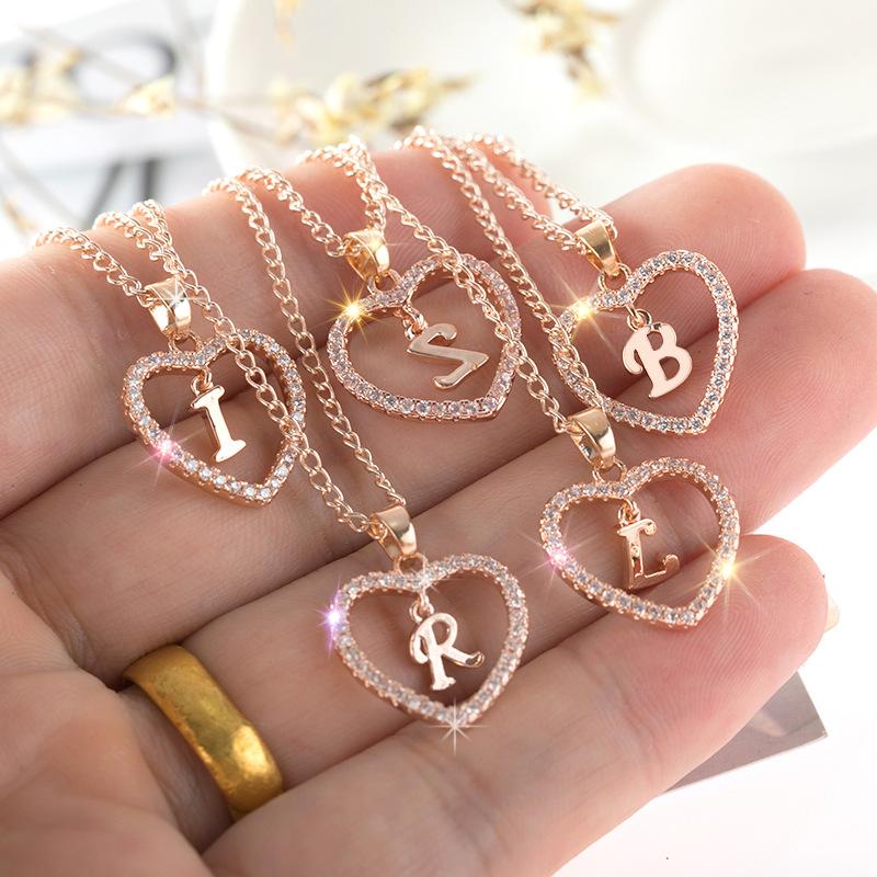 2020 Amazon Venta caliente Popular nombre inicial collar 26 letras collar de corazón de zircon de joyería de diamante colgante collar