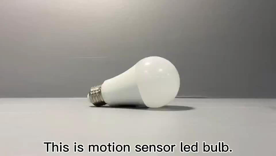 Radar Rivelatore di Movimento Della Luce 100 Watt Equivalente E26 Base A19 8W Luce del Sensore di Movimento Lampadine Dusk to Dawn LED luce di Lampadine