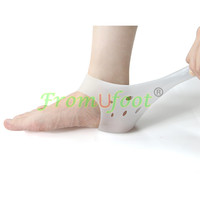 ZRWC21B Hot selling gel heel sleeves cracked foot care heel protectors for heel pain relief