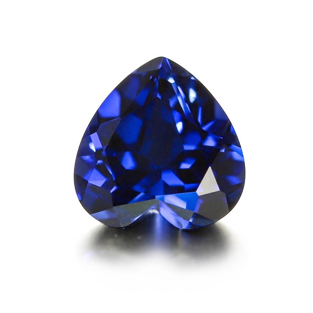 версия как выглядит камень сапфир фото легенде, она родилась