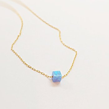 Dainty 925 Silver Jewelry Yellow Gold Plated Blue Opal Dainty Pendant For Girls