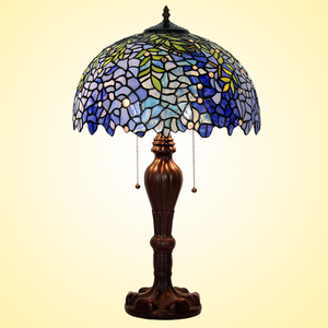 Vintage Decorative Tiffany Style 16 inch Stained Glass Table Desk Lamp