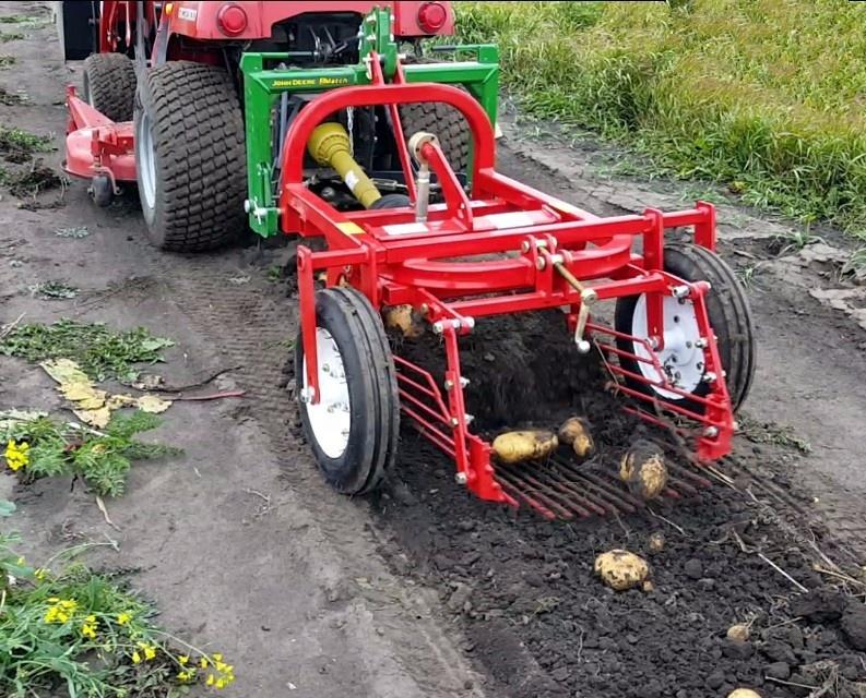 Agrarische mini tractor 3-point linkage kleine aardappel harvester