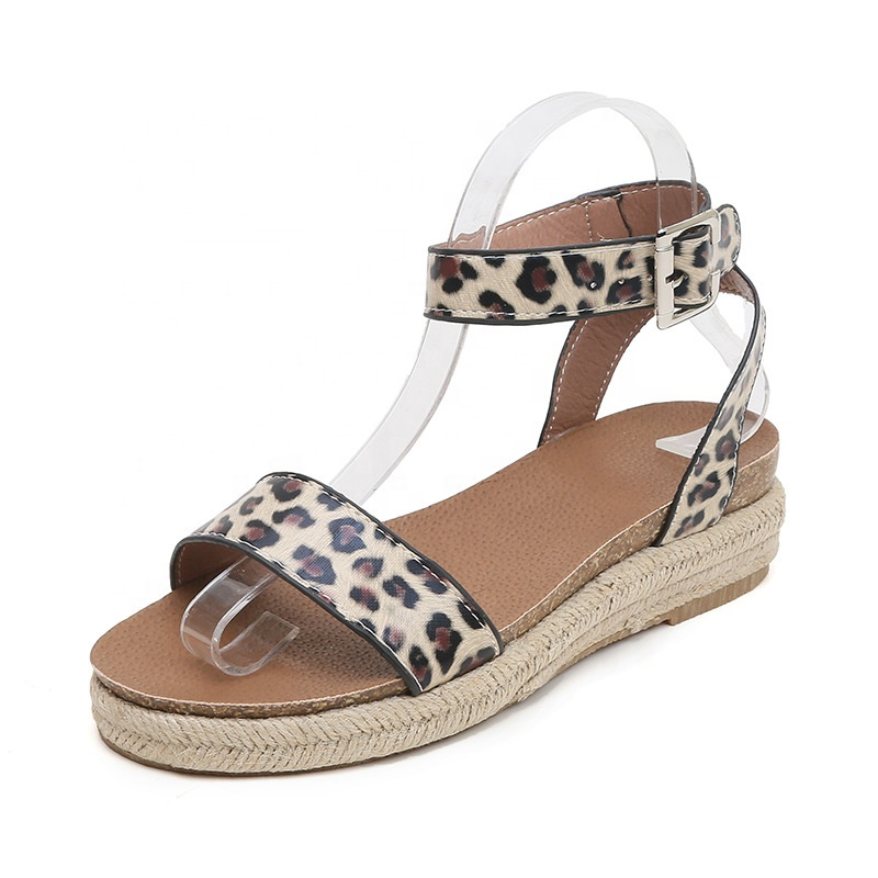 e917c3f8a 2019 الصيف كبير حجم الإناث صندل ليوبارد إسفين كعب الصنادل أحذية ستوكات صندل  امرأة