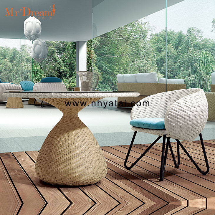 Mr.Dream hotel bistro cafe customized waterproof plastic rattan outdoor cane chair