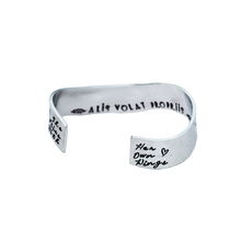 <span class=keywords><strong>Latin</strong></span> Quote Gepersonaliseerde Naam Plaat Bangle Secret Bericht Golvend Manchet Armband