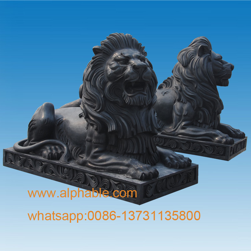 Outdoor Large Stone Black Lying Lion Statue For Sale