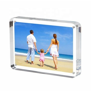 3.5*5 Clear Acrylic Photo Frame Gift Box Package, Double Sided Magnetic Acrylic Block Picture Frames