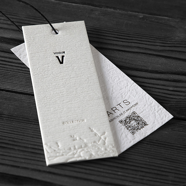 High Quality Paper and Custom Cardboard Hang Tag Design Clothing Hangtag for Garment