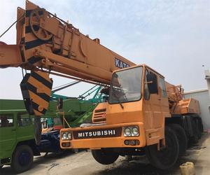 Kato made NK300E-3 truck crane used kato NK-250E-V NK-300E NK-500E NK-1200E for sale