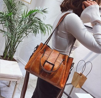 Wholesale 2019 New Products Fashion Wild Female Bag Hard PU leather Sling Shoulder Bag Portable Lady Hand Bag