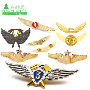 High quality logo custom design metal enamel gold plating engraved airline  pilot wings pin badge emirates for clothing