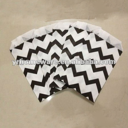 YR Nero Chevron Candy Bag Wedding Favore Paper Bag Regalo di Nozze